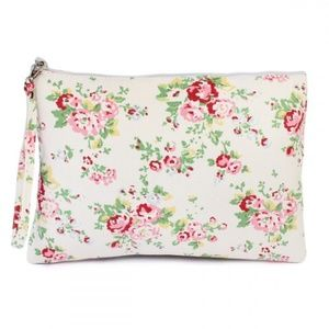 ~Host Pick~ Large floral wristlet